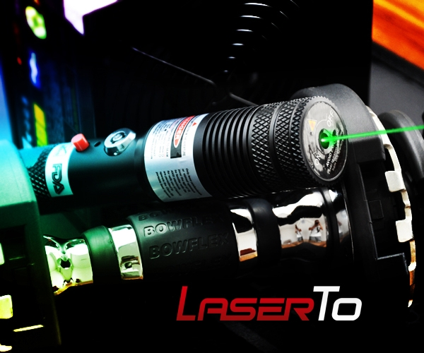 1000mw Tartarus Serie Adjustable Focus Green Laser Pointer